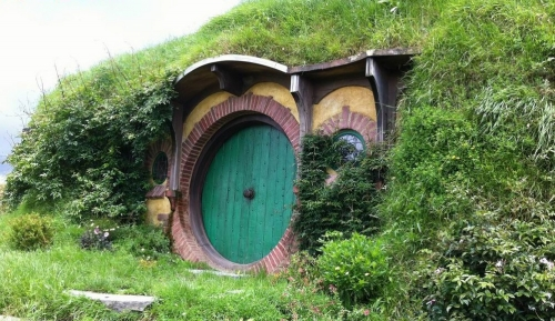 bag end Homes for The Hobbit   The Shire