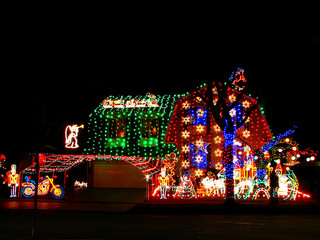 How to Hang Outdoor Christmas Lights - Coldwell Banker Blue Matter