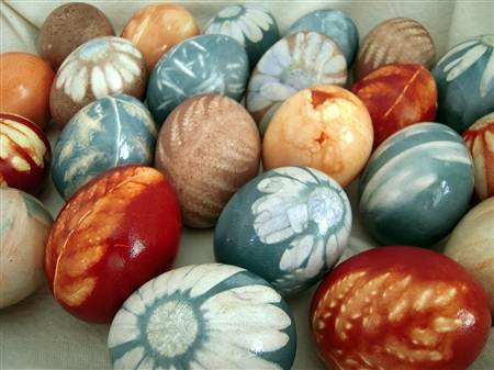 Natural Dye Easter Eggs Check Out Big Sis Lil For Instructions