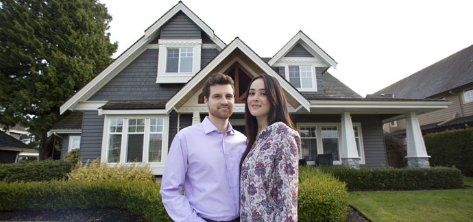 couple house The Emotional Impact of Buying A Home with Your Spouse | Coldwell Banker Blue Matter