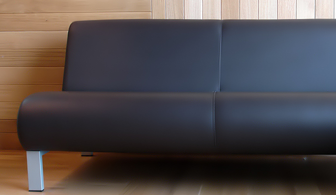 1leathercouch.jpg