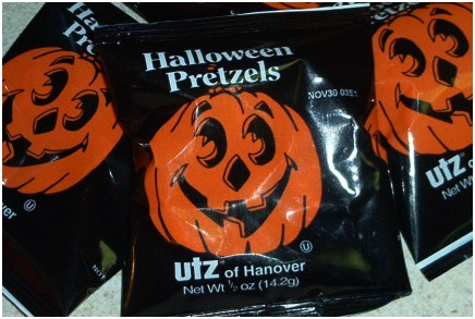 pretzels 8 Ways to Be the Awesomest House This Halloween