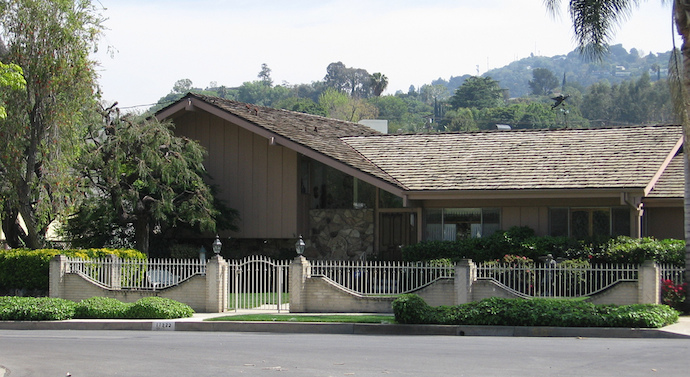 brady bunch house 6 TV Homes I Would Want to Visit for Thanksgiving.