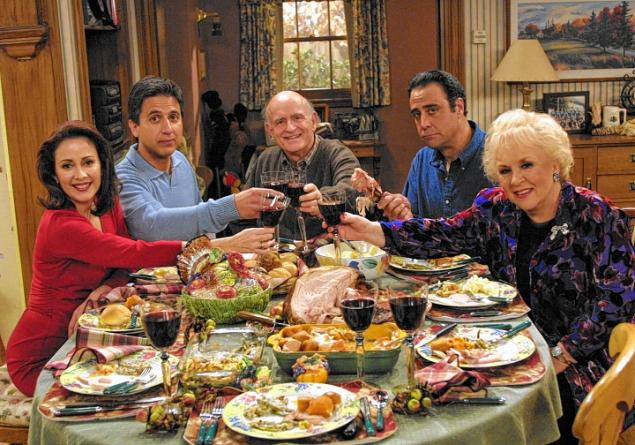 everybody loves raymond 6 TV Homes I Would Want to Visit for Thanksgiving.