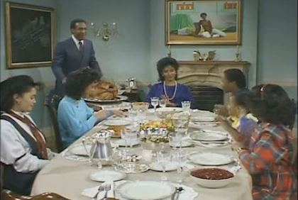 thecosbyshowthanksgiving 6 TV Homes I Would Want to Visit for Thanksgiving.