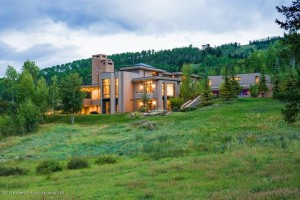 winter 1 300x200 Slideshow: 10 Beautiful Vacation Homes