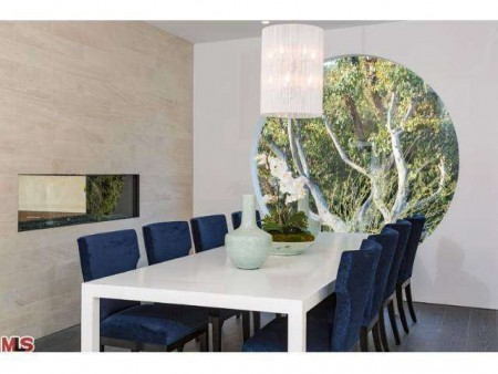Dining Rooms 2 e1393872930222 10 Incredible Modern and Decadent Dining Rooms