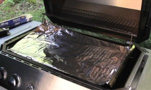 How to Quickly Clean Your Grill Using Just Aluminum Foil
