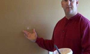Tool Time: How to Spackle Small Holes in Your Drywall