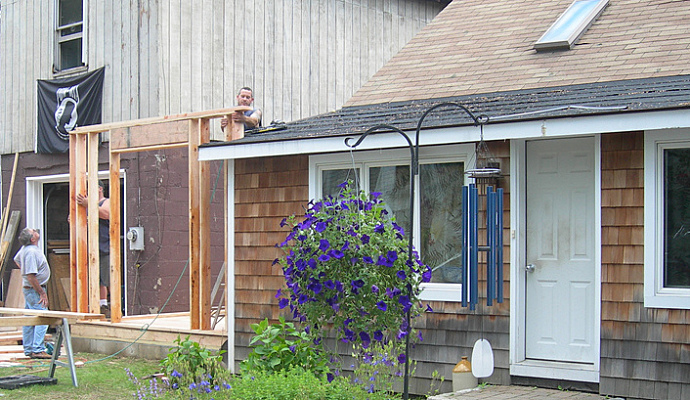 Do It Yourself Home Design: Move On Or Make Do? Home Additions Are An Option