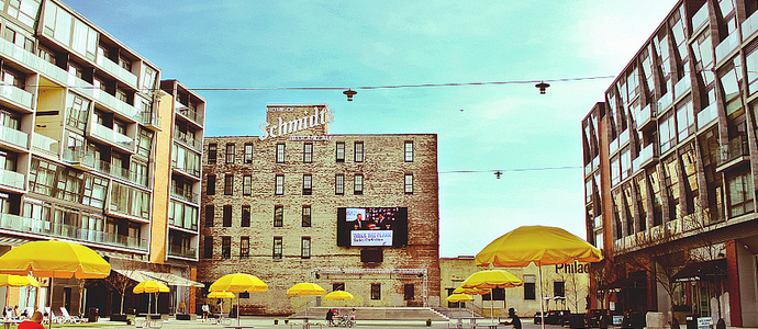 Piazza-at-Schmidts-Northern-Liberties.jpg