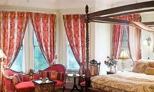 victorian-bedroom.jpg