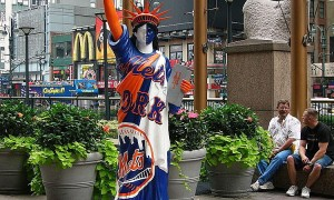 768px-New_York_Mets_Statue_of_Liberty.jpg