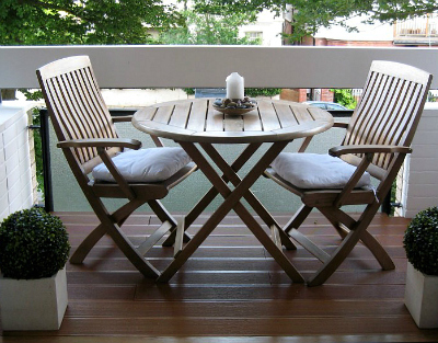 Make the Most of Your Small Outdoor Space: Seating