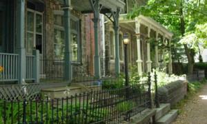 Houses_in_Powelton_Village-_Philadelphia.jpg