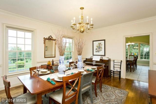 FV8430495 - Dining Room