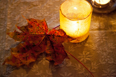 Decorative Leaves: Create a Colorful Centerpiece