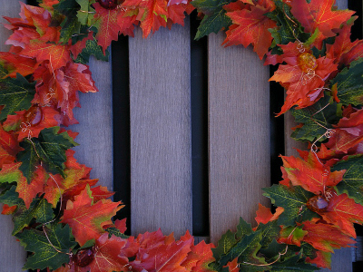 Decorative Leaves: Make a Seasonal Wreath