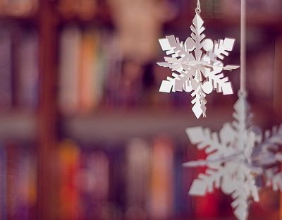 Fall Decorating Ideas: Paper Snowflakes