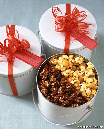 15 super sweet homemade holiday gift ideas coldwell for How to make christmas food baskets
