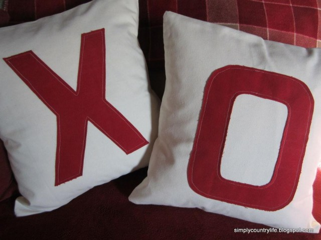 DIY Valentine XO Pillow