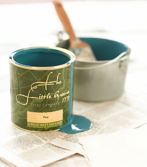 paint tin with blue paint