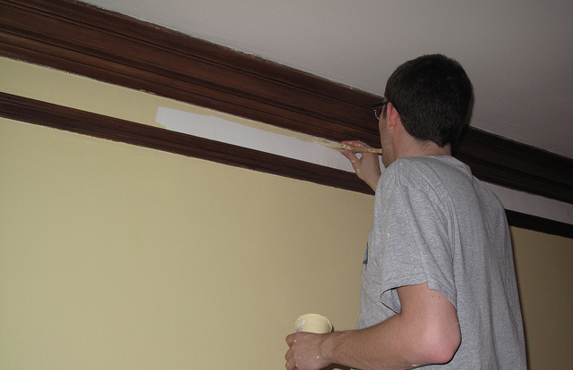 painting apartment trim