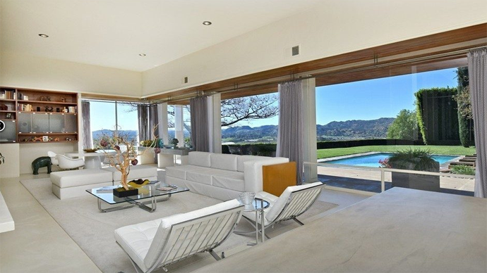 The 5 Best Homes from Mad Men - Real Estate Blog - Coldwell Banker Design House Mad Men on burn notice house, arrested development house, dawson's creek house, roseanne house, robot chicken house, lone star house, modern family house, hawaii 5-0 house, the following house, bob's burgers house, true detective house, kingdom house, girl meets world house, breaking bad house, desperate housewives house, grey's house, bojack horseman house, 3rd rock from the sun house, the o.c. house, real housewives of dc house,