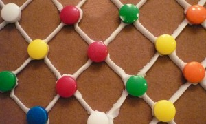 Gingerbread_house_lattice_wall