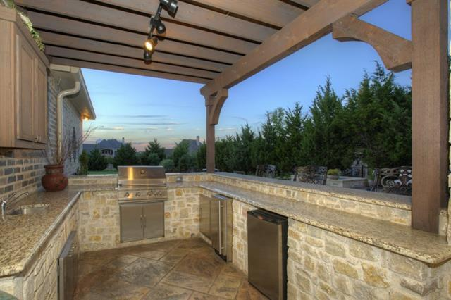 4 dfw properties with amazing outdoor kitchens dallas for Dallas outdoor kitchens