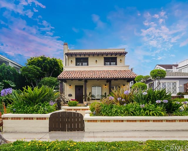 This Corona del Mar, CA property is listed at $2,995,000 by Timothy Smith with Coldwell Banker Residential Brokerage.