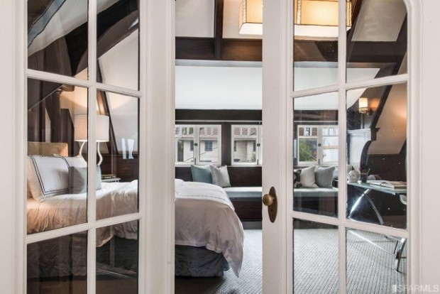 Because the best part of a snow day is sleeping in, we bet you'd never leave the serenity of this San Francisco, CA bedroom. Slumber away.