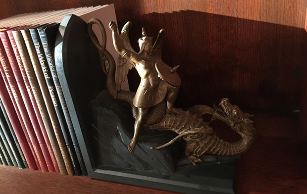 dragon-bookend
