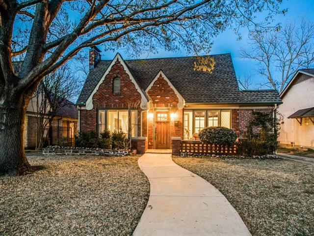 Hollywood Heights Cottage in Dallas
