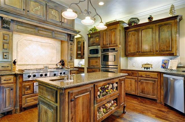 A Rustic Country Kitchen In Fort Worth.