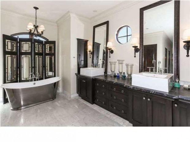 http://blog.coldwellbanker.com/bust-bubbles-7-breathtaking-bathtubs/