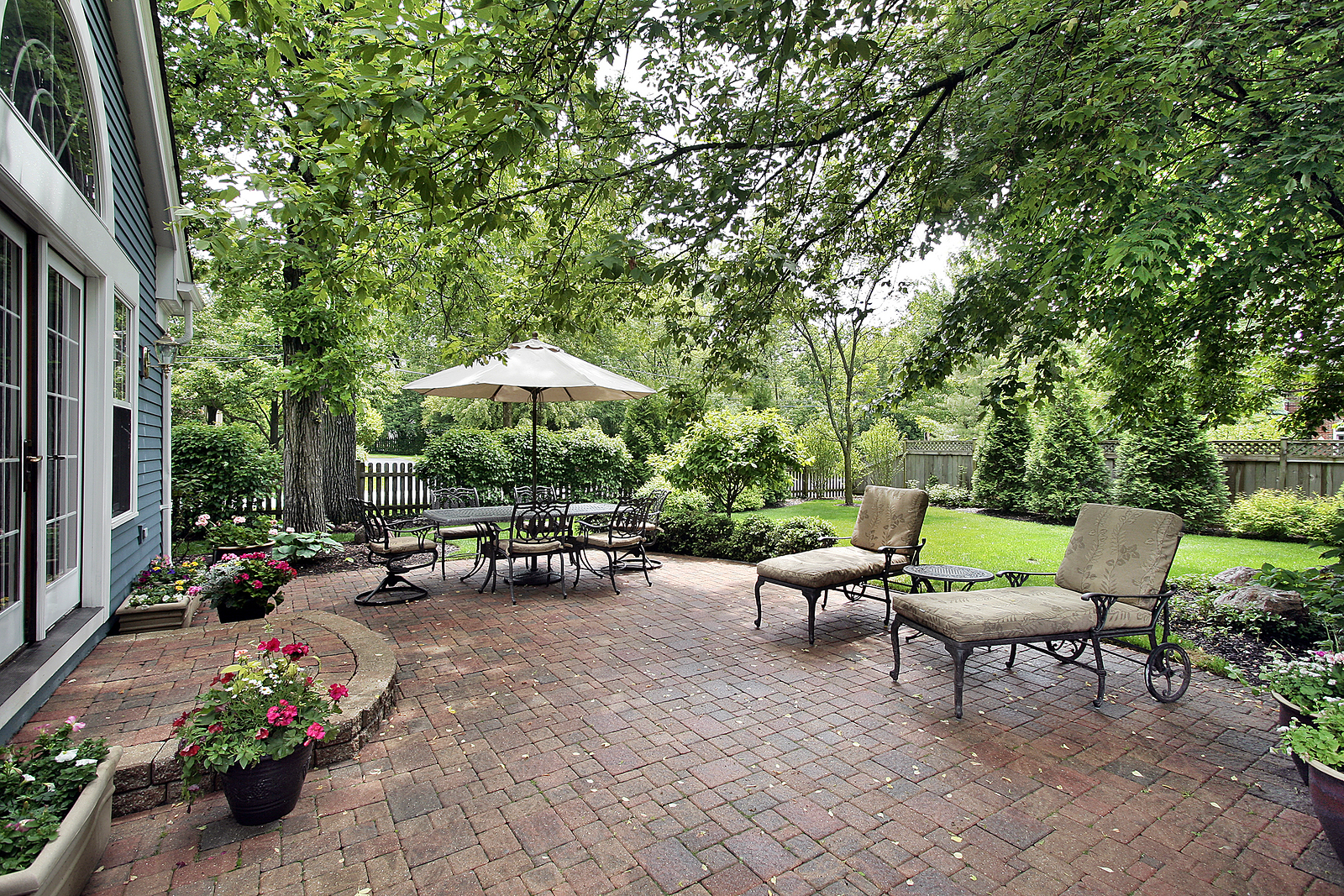 Summer Projects for Creating the Ultimate Backyard: Adding Shade