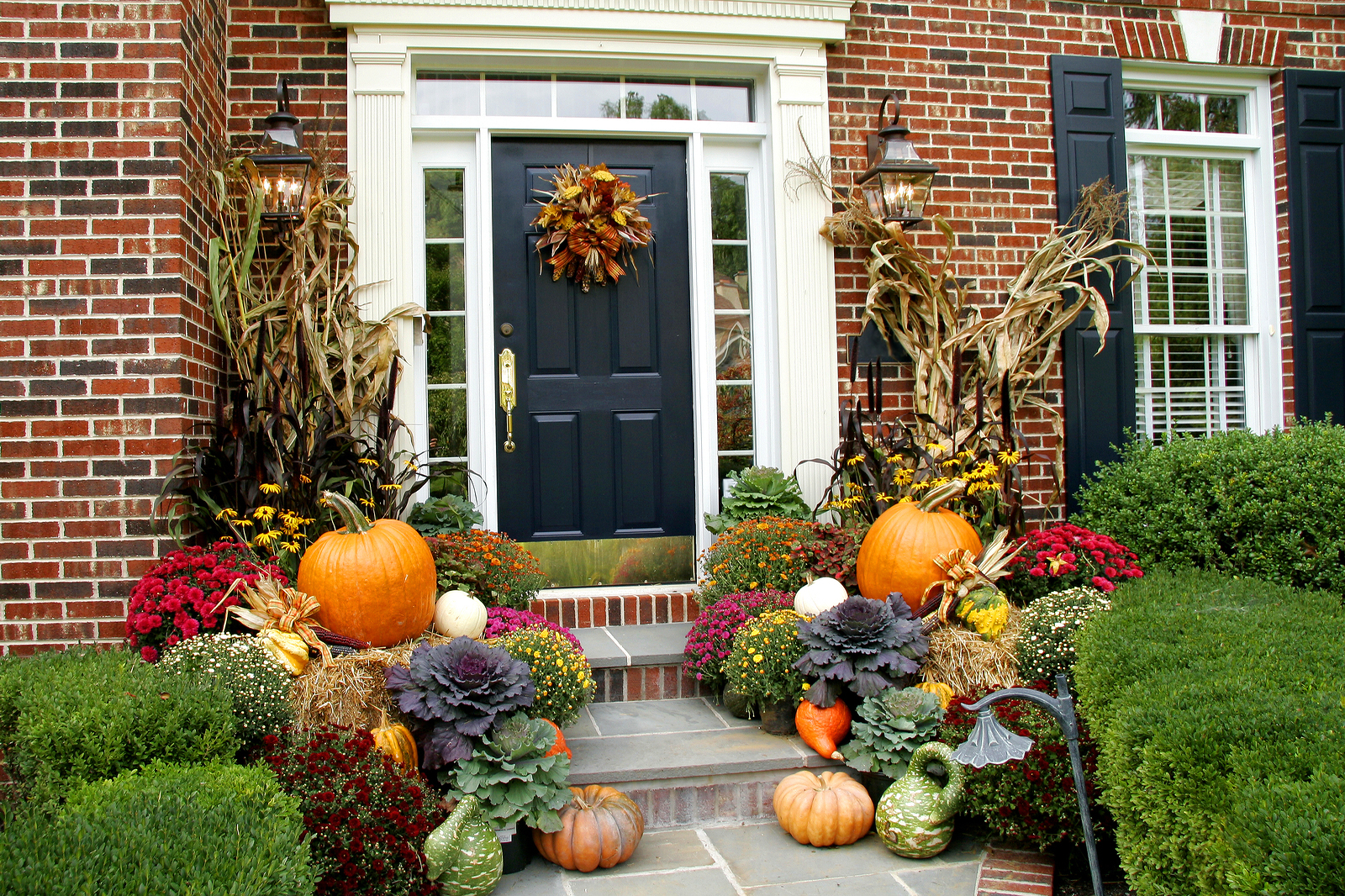 5 ways to boost your curb appeal for the fall national for Fall decorations for the home