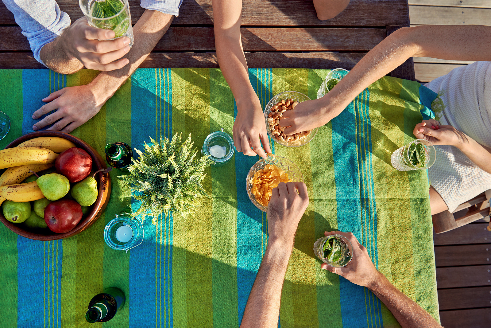 How to Plan the Perfect Outdoor Dinner Party: Create Ambiance