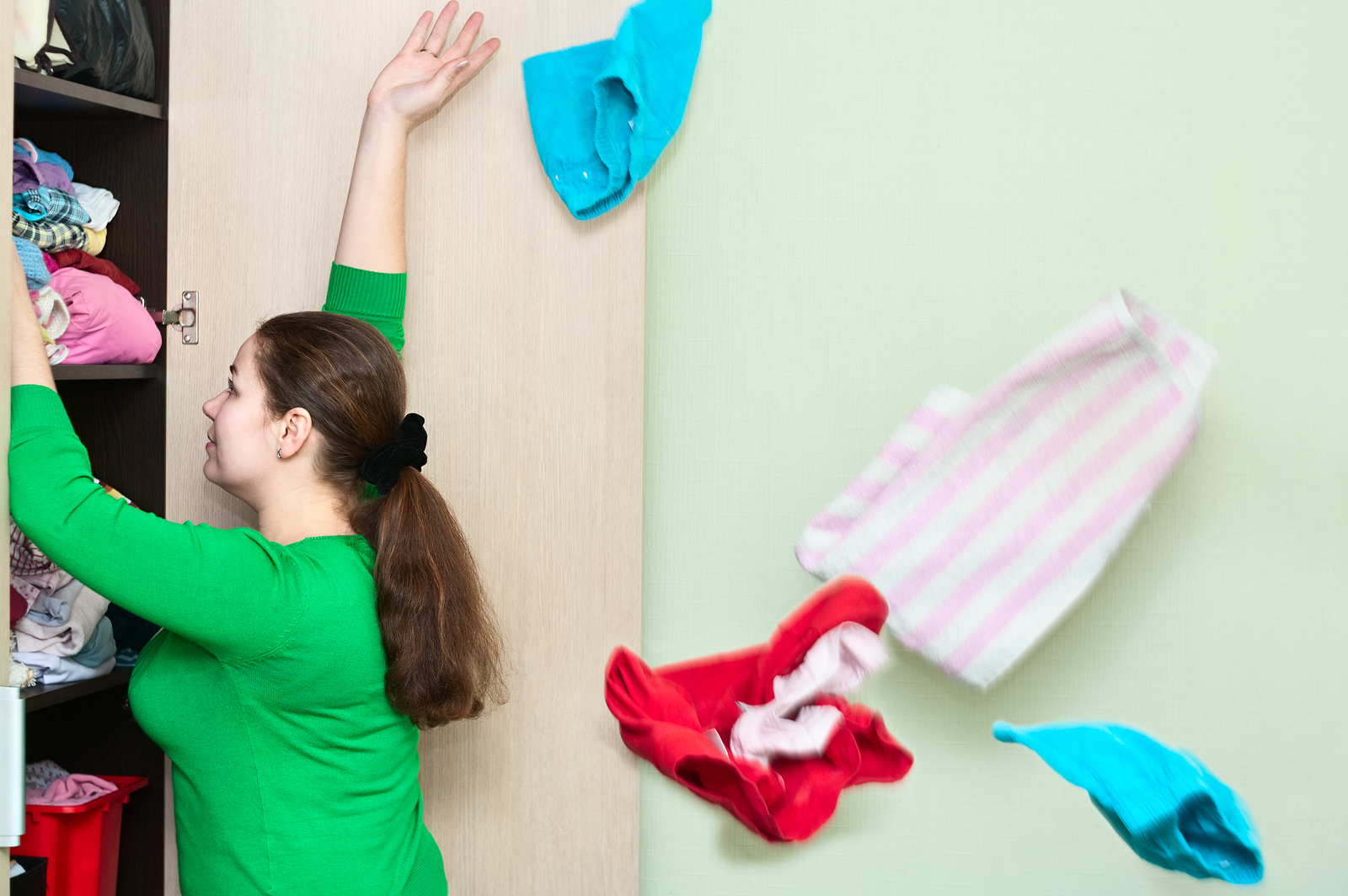 4 Easy Steps to Organize Your Closet: Clean It Out