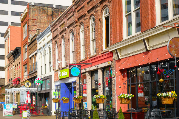 A Tour Of The New Neighborhood By Providing List Things To Do Along With Gift Cards Top Rated Businesses For Each