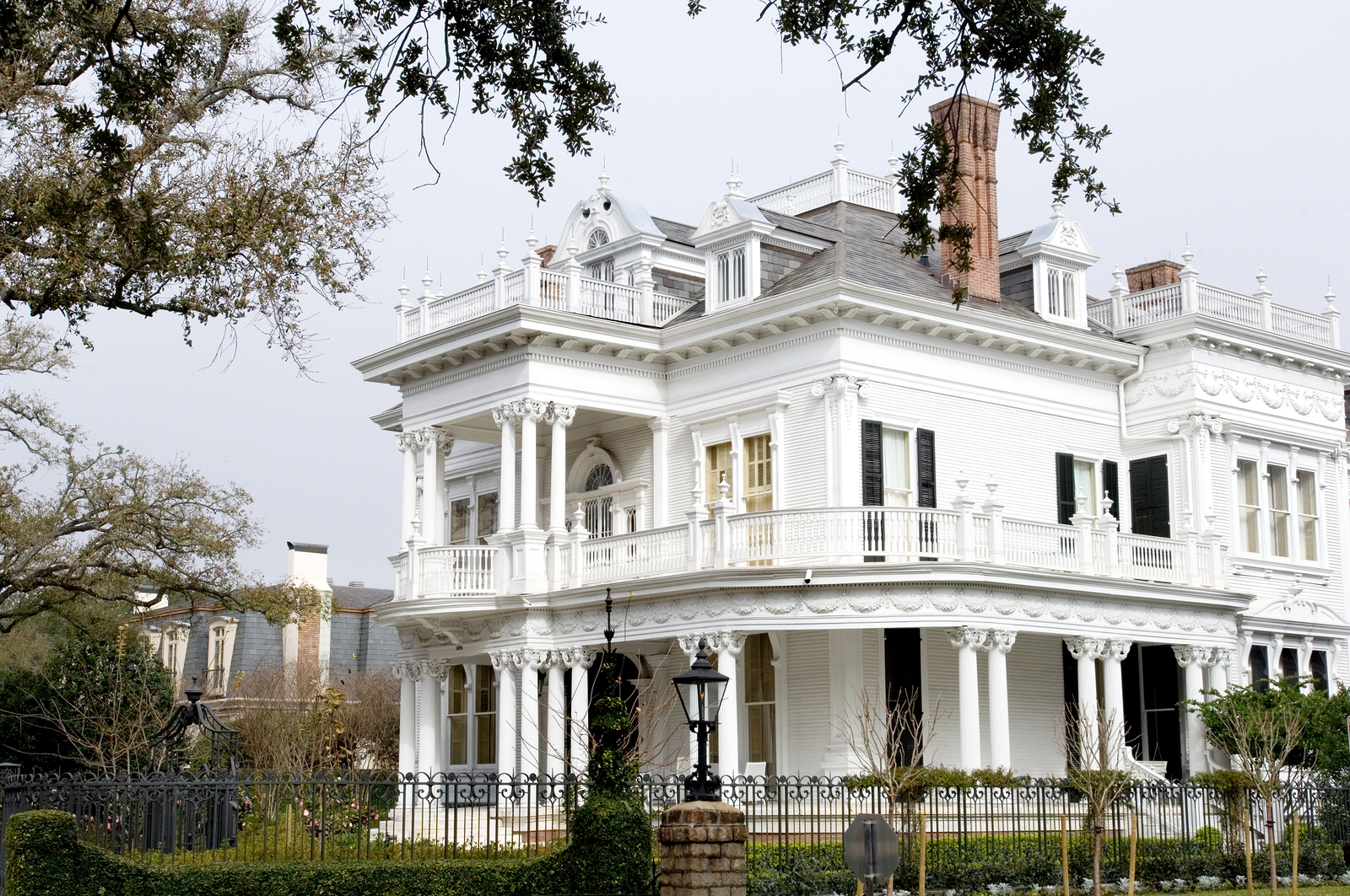 White mansion in traditional style in New Orleans